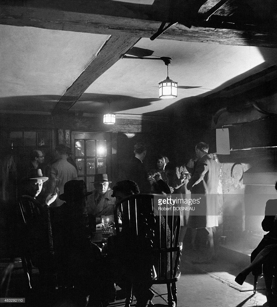 1950-е. В пабе «The George and Vulture» в Лондоне