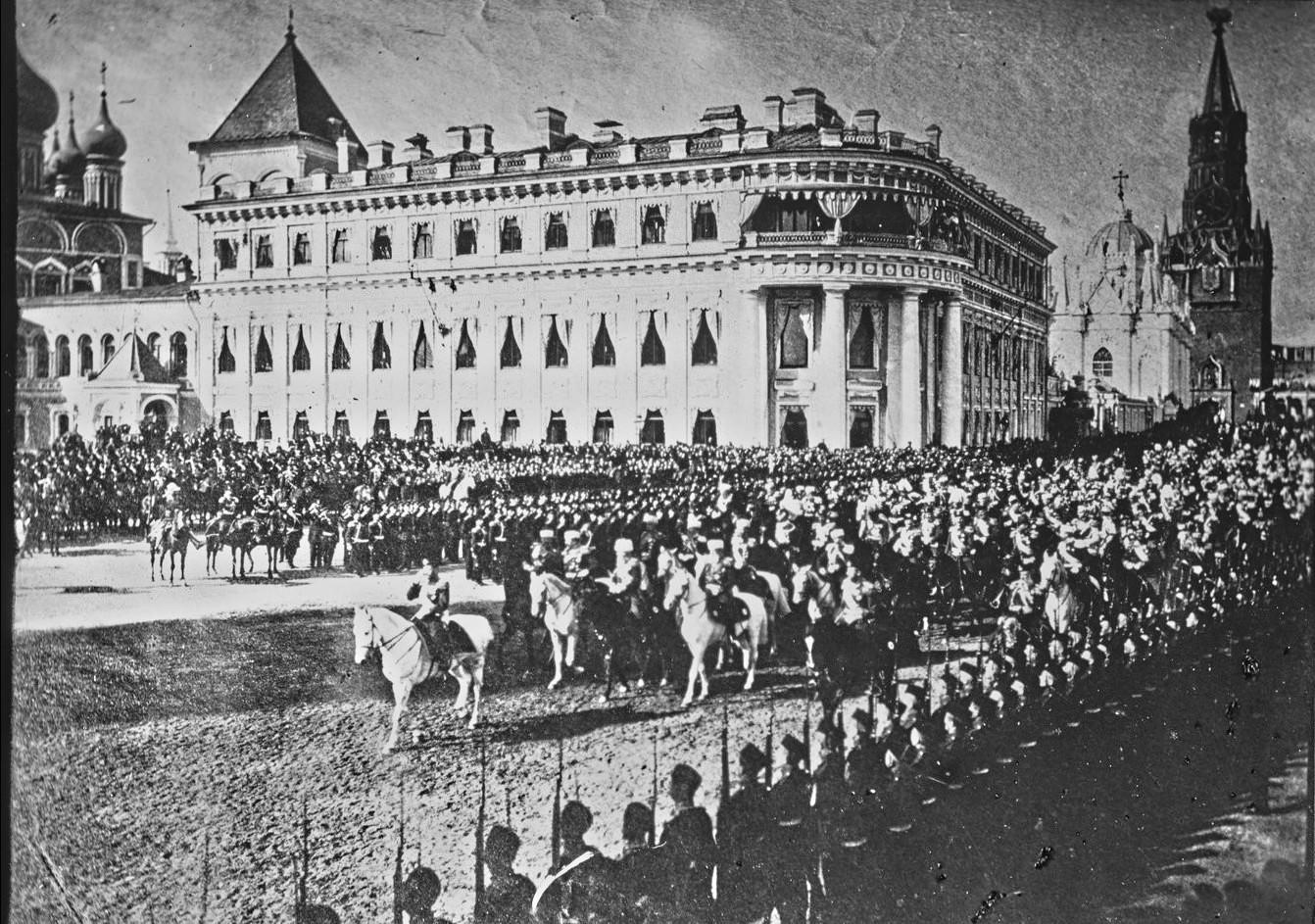 Вход Императора в Кремль