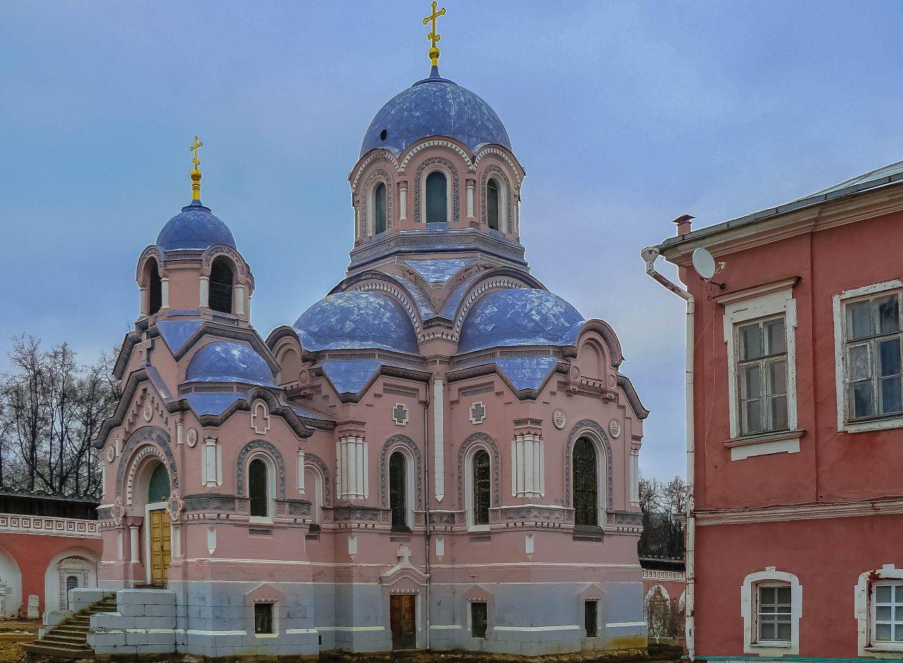 irina-fortuna-donskoy-monastery 03.jpg