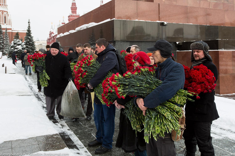 Москва торжественно помянула Сталина (фото) GA8A9905.jpg