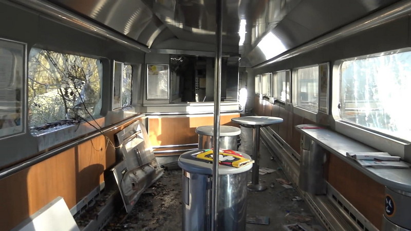 0 180c35 56834dfb orig - Заброшенный поезд