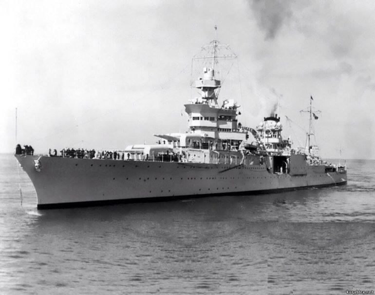 Последние дни жизни корабля прошли весьма символично – именно «Индианаполис» доставил на военную баз