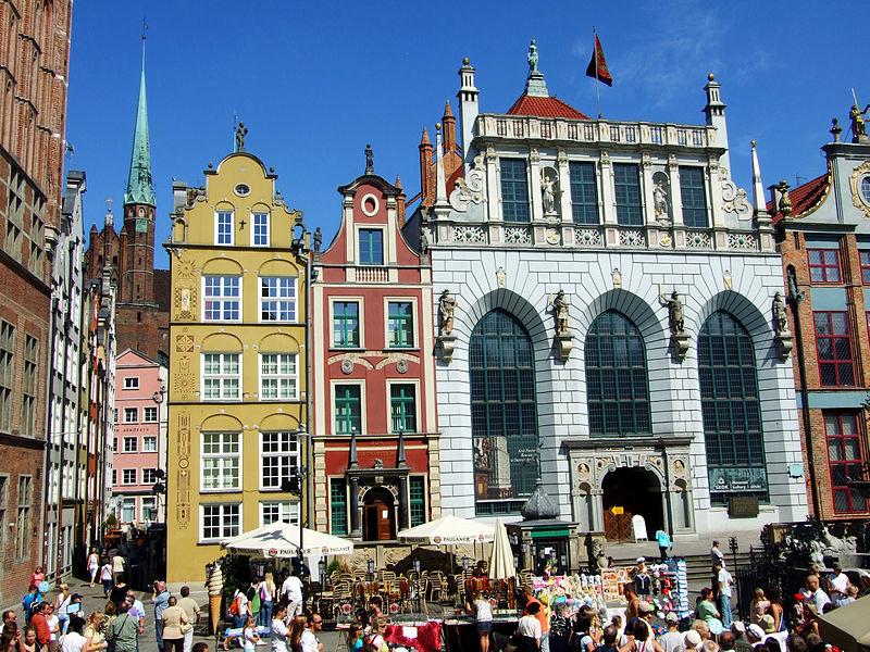 800px-Long_Market_Square_(Długi_Targ),_Gdańsk.jpg
