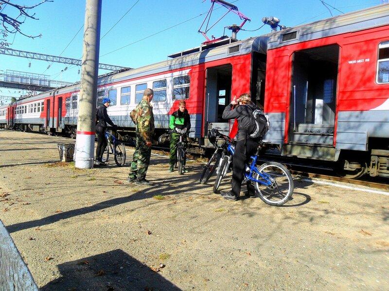 У электрички, с велосипедистами ... SAM_4255.JPG
