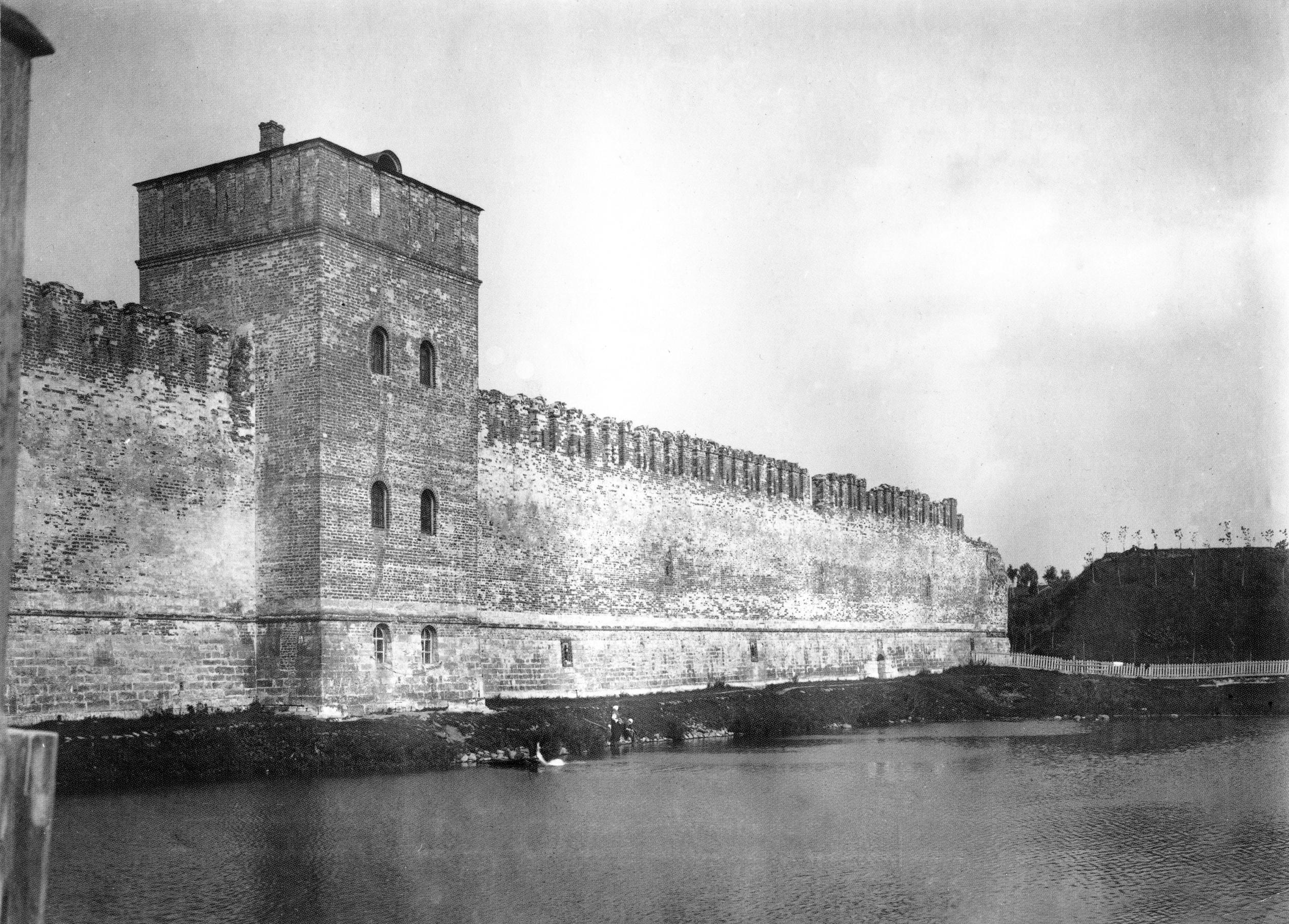 Моховая башня и Шеинов бастион. 1902