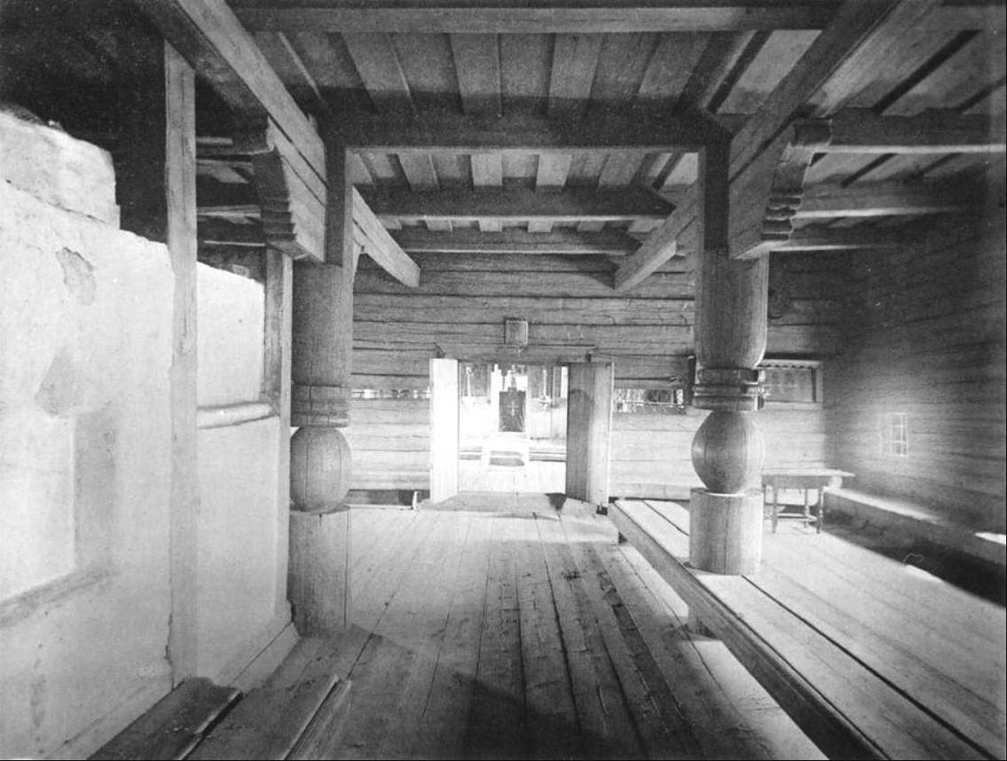 Интерьер трапезной Никольской церкви 1687 года. 1891