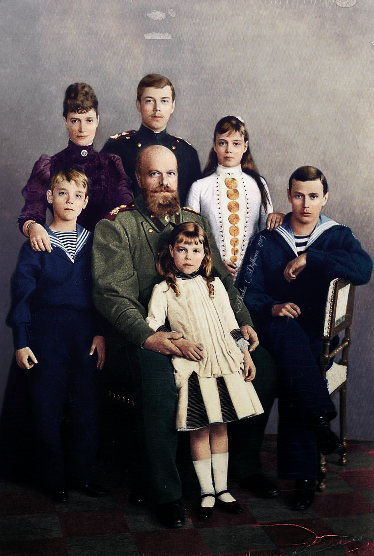 А вы отдали бы жизнь за династию? ( 45 фото ) imperial_family_by_velkokneznamaria-d8fd8zy.png