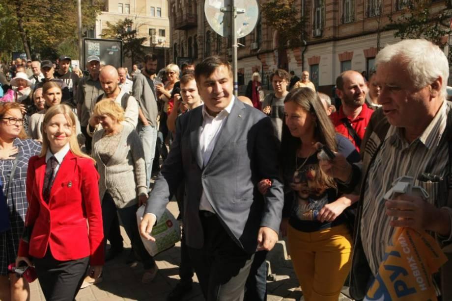 Саакашвили: ни Один солдат и полицейский не попрет против мирного выражения воли народа (ВИДЕО) — РНС