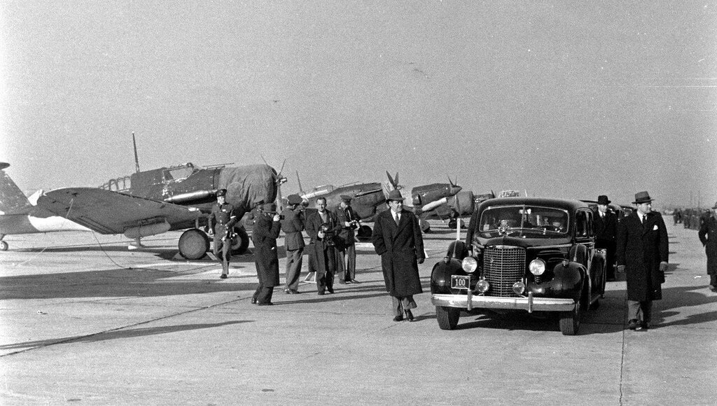 planes at Bolling Field in 1940 during the visit of Franklin D. Roosevelt - Thomas Mcavoy - LIFE
