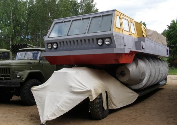 Единственный сохранившийся ЗиЛ-4904 в Государственном Военно-техническом музее в Черноголовке. | Фот