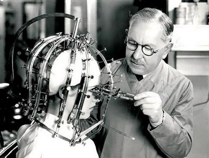 Легенда и новатор в индустрии красоты компания Max Factor создала жуткое устройство, которое исп