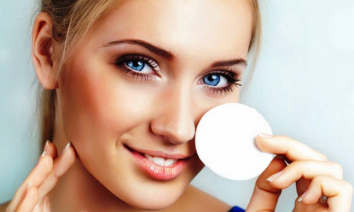 Купить средство для снятия макияжа по привлекательной цене (1 фото)