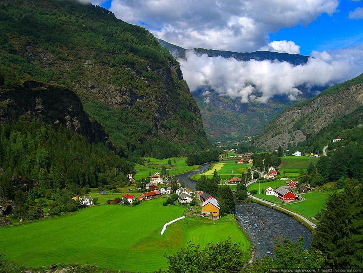 В горах Норвегии (26 фото)