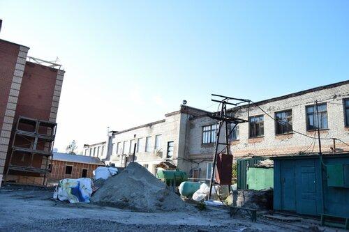 Строят дома в центре Куйбышева