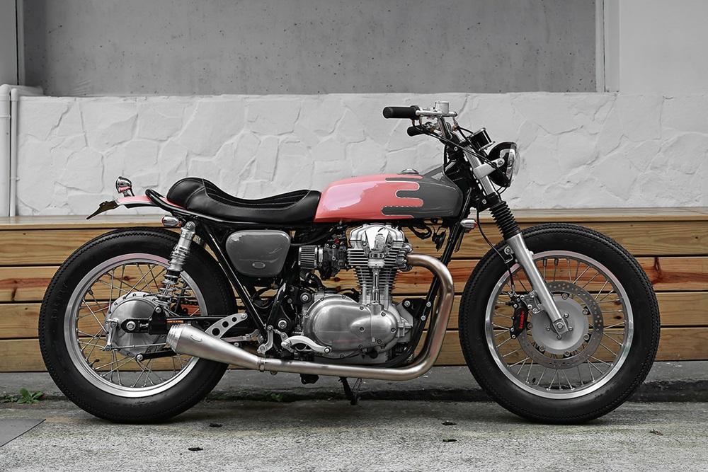 2LOUD Custom: стрит-трекер Kawasaki W800
