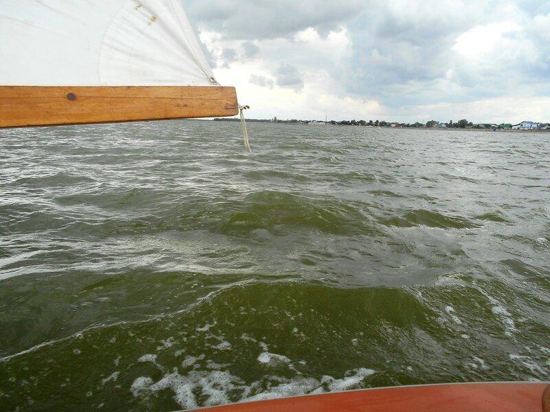 В день ветренный, праздничный, яхтенный. ... DSCN2938.JPG