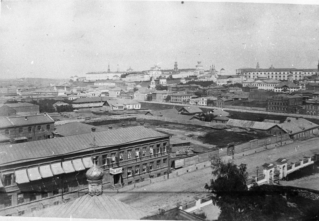187. Вид на город и крепость с колокольни Владимирского собора