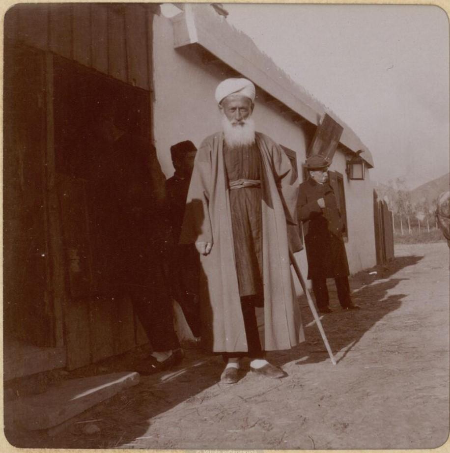 Татарская деревня Отузы. Местный мулла