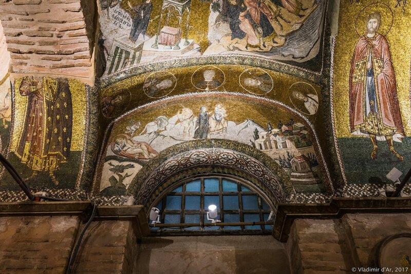 Сон Иосифа. Мария в окружении двух спутников. Путешествие в Вифлеем. Мозаики и фрески монастыря Хора.