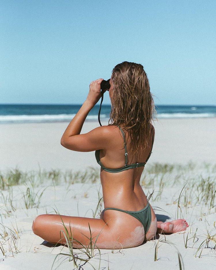 Горячие австралийки на снимках Карлин Ращке