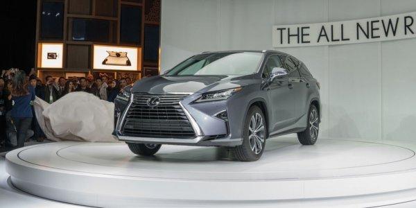 Lexus запустил в РФ спецпредложения на покупку своих авто в марте
