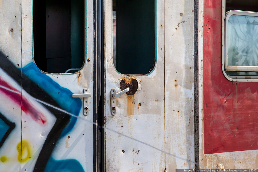 11. Кстати, а туалет лучше посетить перед поездкой, так как практически во всех местных поездах