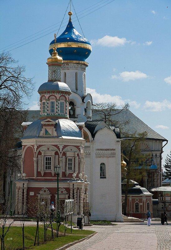Надкладезная часовня и Храм во имя Сошествия Святого Духа на Апостолов