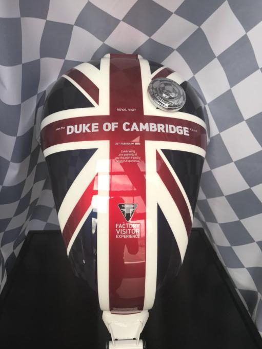 Принц Уильям прокатился на Triumph Tiger 1200