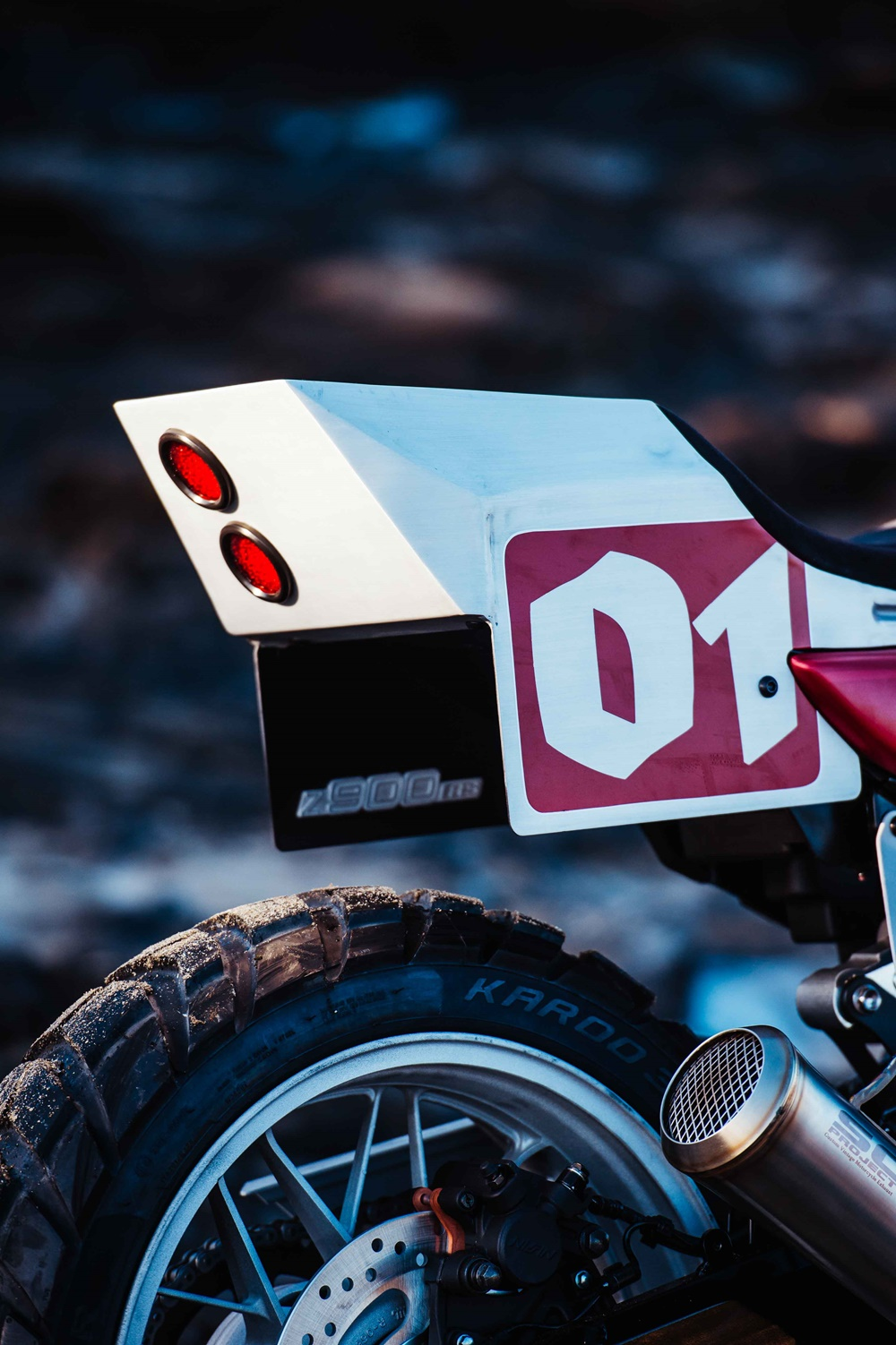 Deus: кастом Kawasaki Z900RS Stone Tracker
