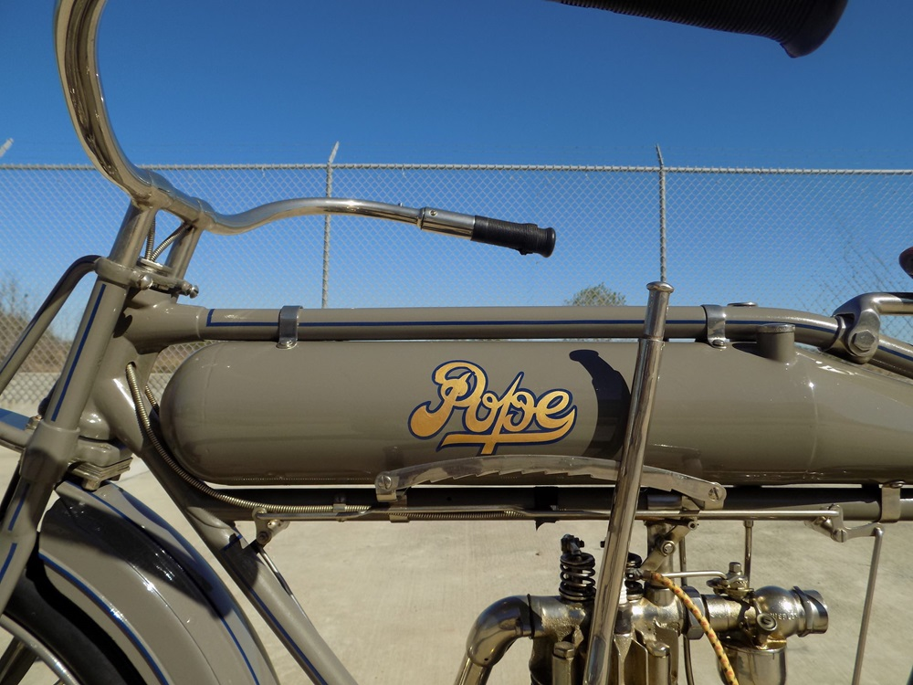 Старинный мотоцикл Pope Model K 1914 Стива Маккуина продадут с аукциона
