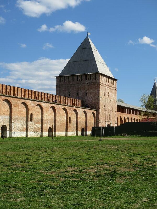 Авраамиевские ворота (10) со стороны города