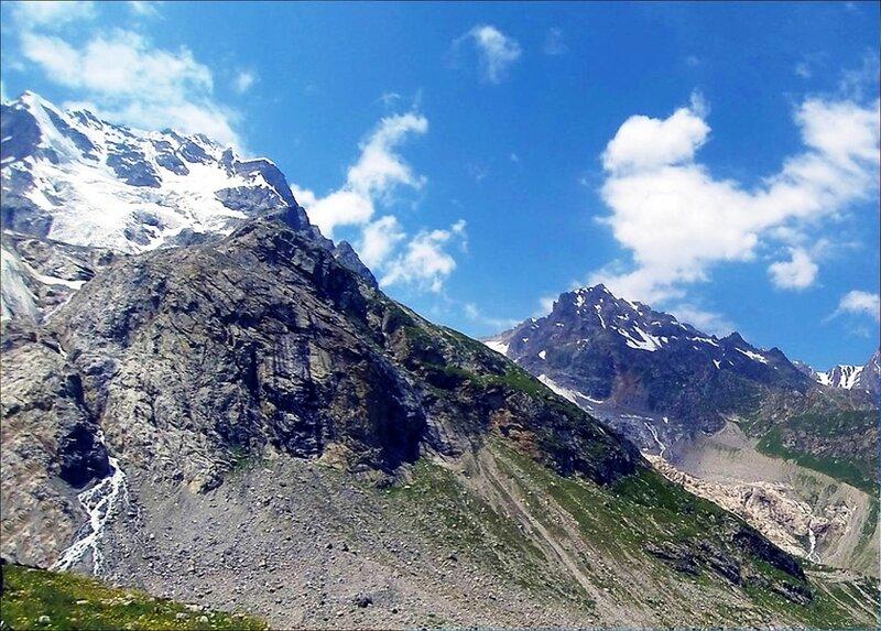 У склонов горных и вершин, на Кавказе.jpg