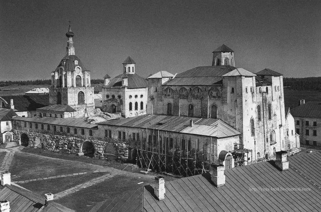 Ахломов Виктор Монастырь 1960 Сол море 2012 1100 вз.jpg