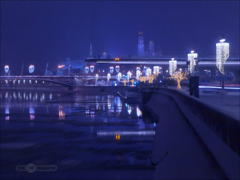 Ночной город Москва, штатив, выдержка 25 секунд. Night city Moscow, tripod, exposure 25 sec.