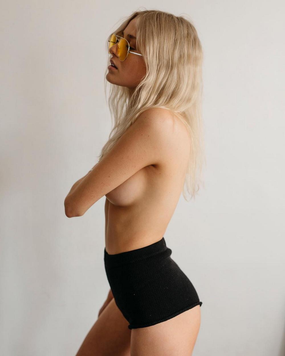 Красивые фото девушек Микела Робертса