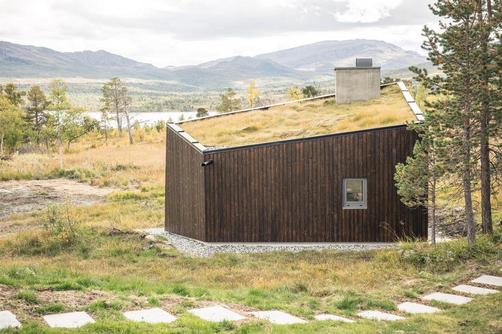 Современная версия традиционного горного приюта в Норвегии