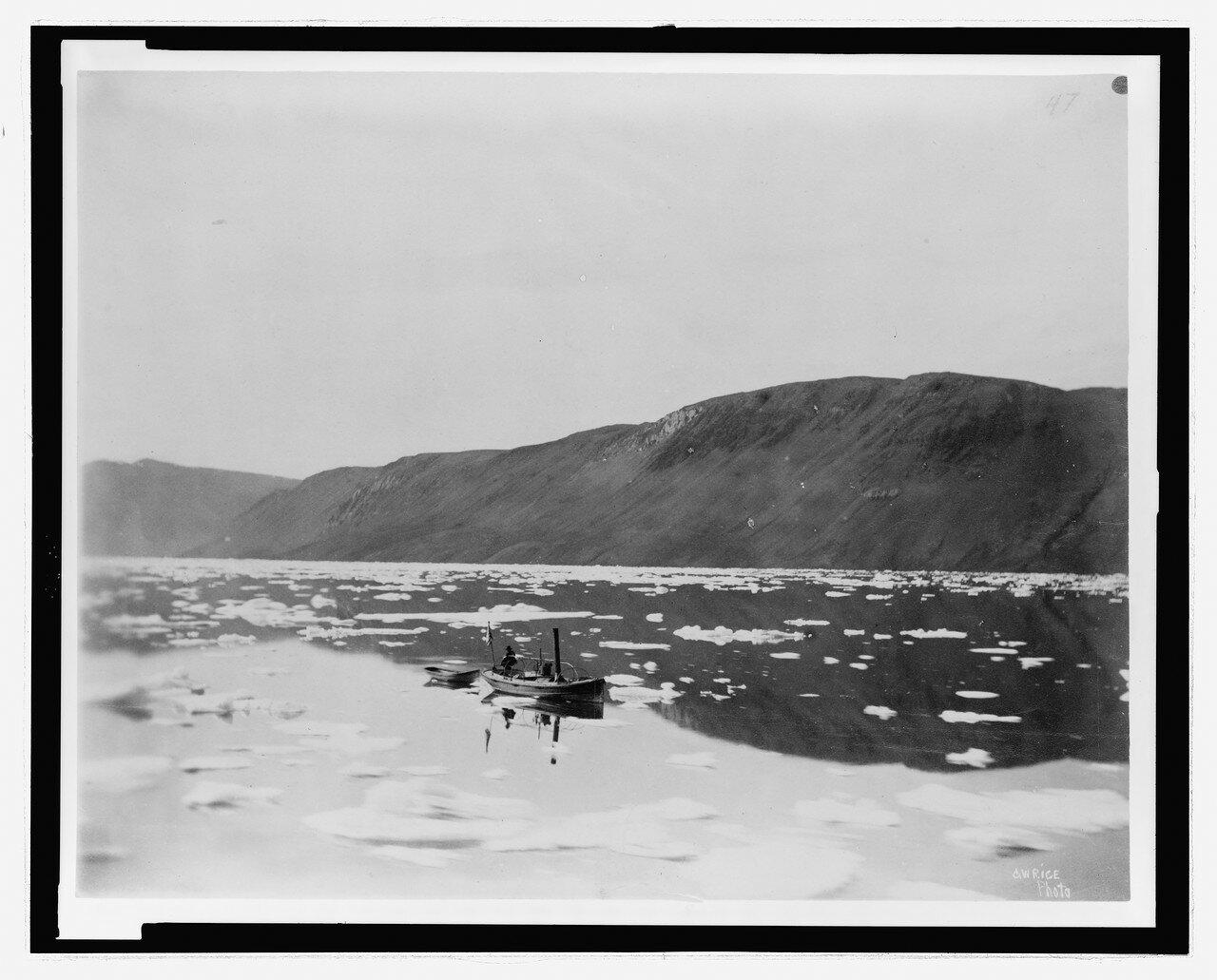 Запуск «Леди Грили» в гавани Дискавери, 18 августа 1882 года.jpg