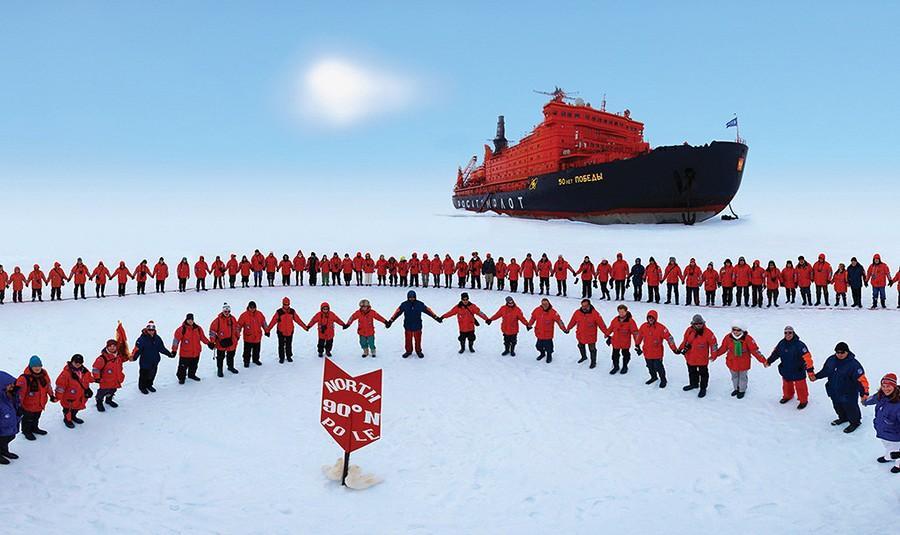 31. Круизы на ледоколах — единственная возможность пробиться через этот толстый лед. Эта полная адре