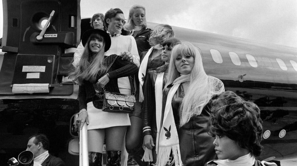 10. Мадам справа — его подруга Барбара Бентон, 1969 год.