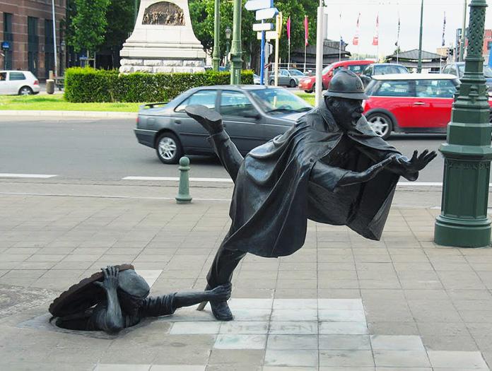 Скульптура Паучихи в Токио   Бронзово-стальная паучиха Луизы Буржуа является си