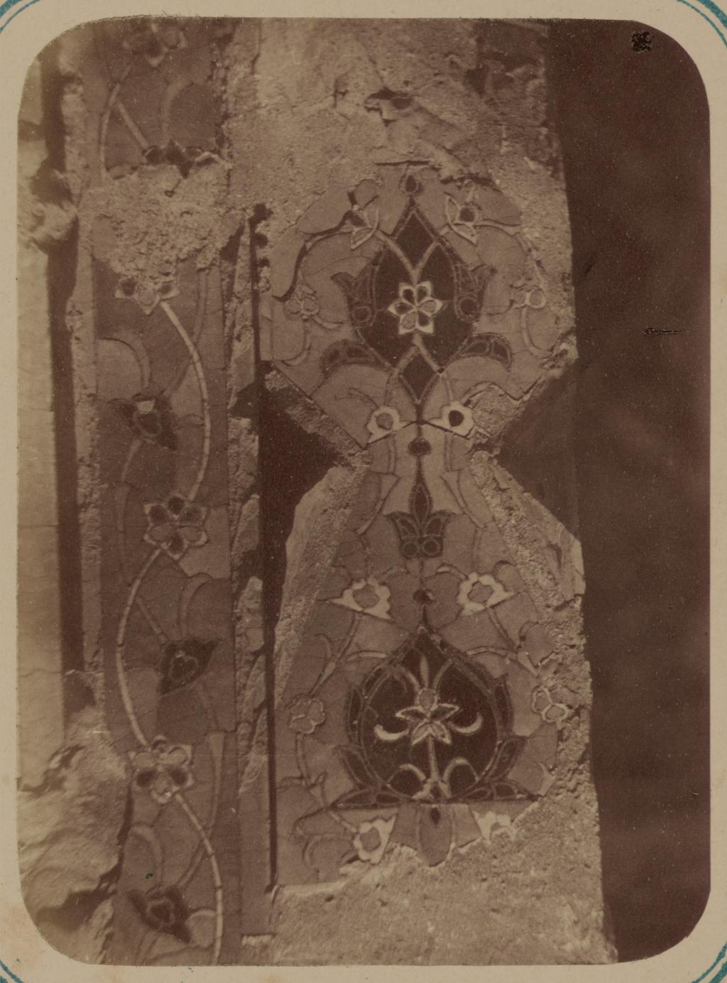 Мавзолей дочери эмира Ходжи Туглу-Текин. Основание колонны