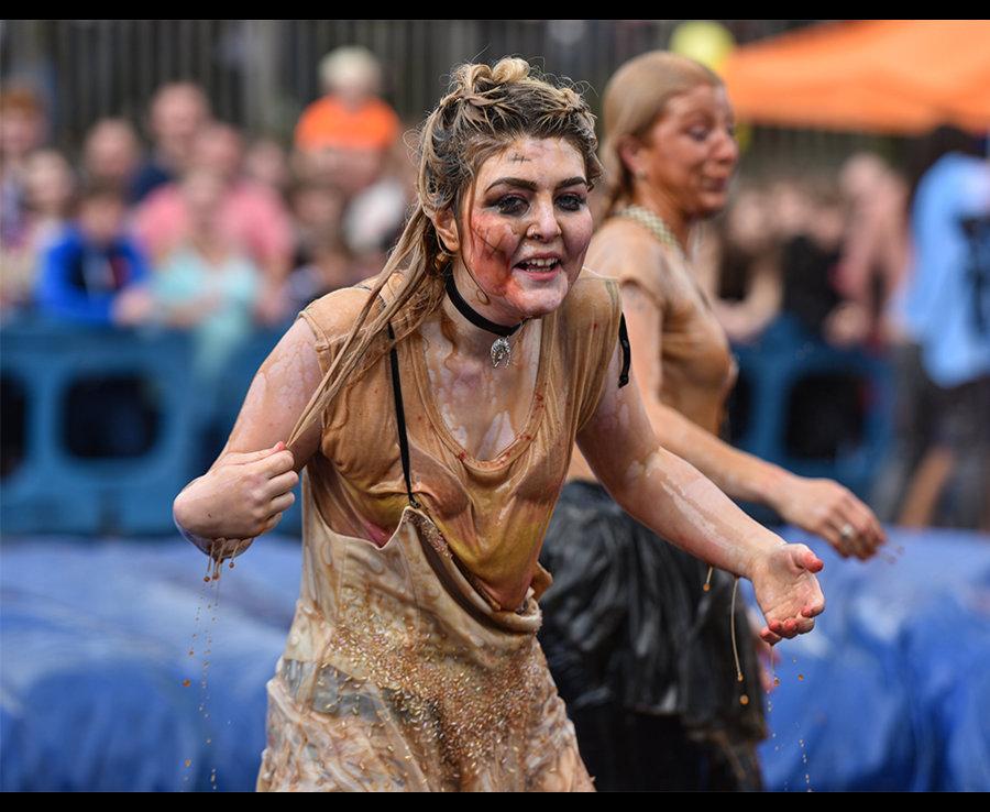 10-й ежегодный Чемпионат Мира по борьбе в грязи