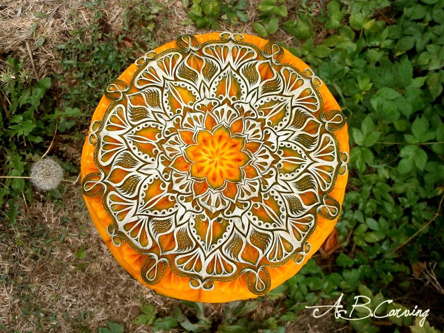 16-Alternative-Halloween-Pumpkins-carved-by-master-Angel-Boraliev-59ec66cc37750__880.jpg
