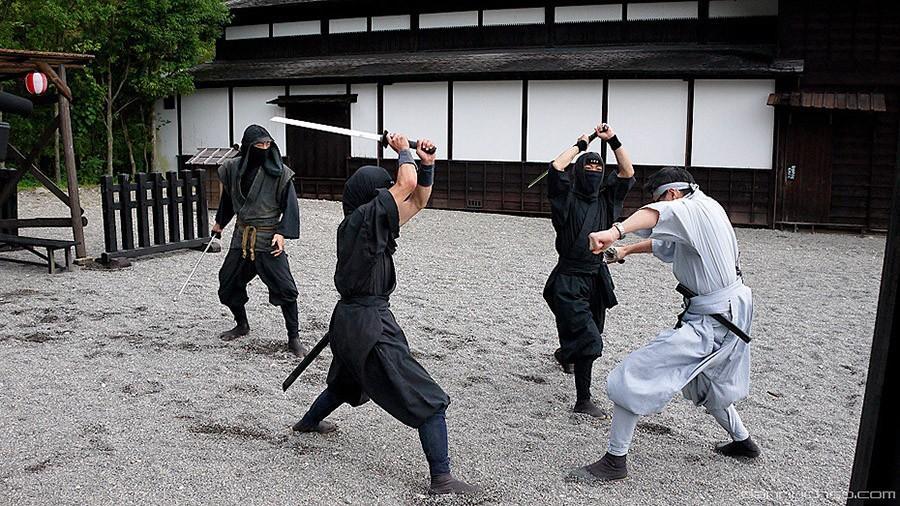 4. Станьте ниндзей — Япония Ниндзя — тайные агенты феодальной Японии. Со временем они исчезли, но в