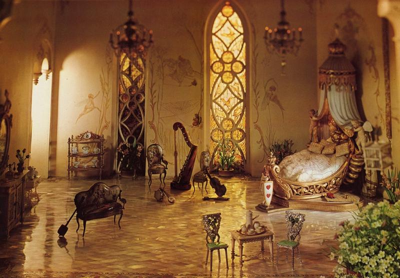 Некоторые предметы – настоящие музейные экспонаты, имеющие историческую ценность. Например,египетск