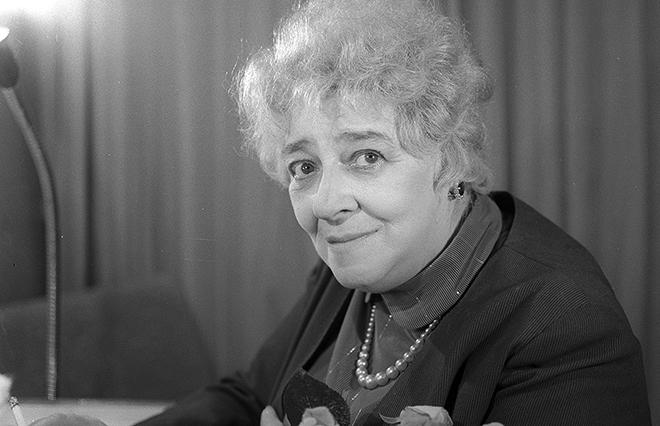 19 июля 1984 года великой актрисы не стало, Фаина Раневская умерла после перенесенного инфаркта и пн