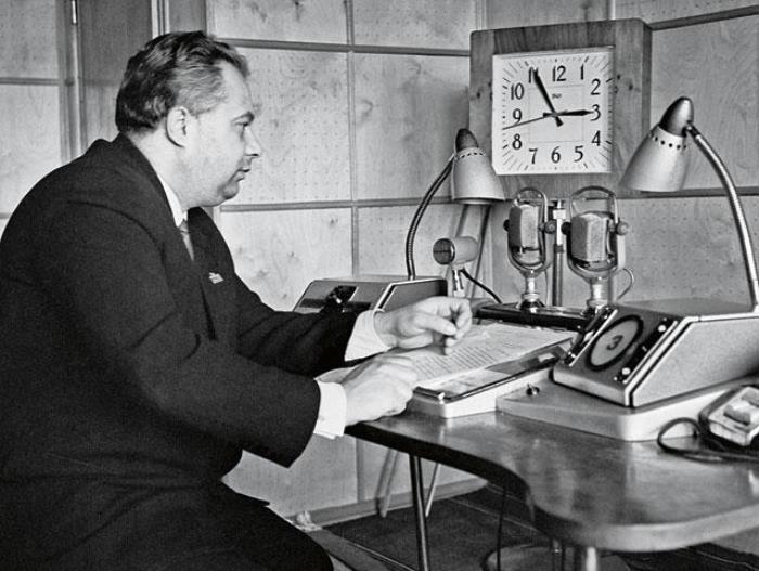 За 38 лет работы на телевидении Николай Озеров побывал в качестве комментатора в 49 странах, вел реп