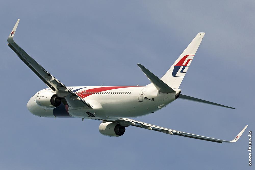 B-737_9M-MLU_Malaysia_Airlines_2_HKT.JPG