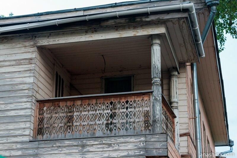 Балкон над входом, Вологда