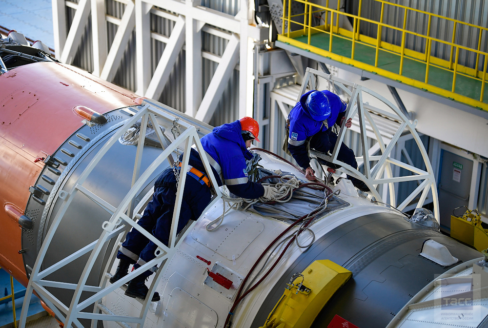 New Russian Cosmodrome - Vostochniy - Page 8 0_e00e0_38249bb_orig